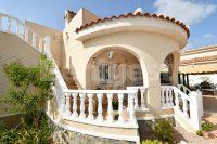 Detached villa all on one level (9)
