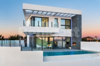Stunning new detached villa with private infinity pool (0)