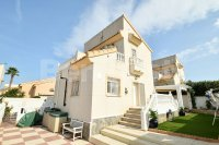 Detached villa with private pool (1)