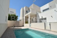Detached villa with communal pool (1)