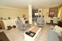Semi detached villa very close to amenities (4)
