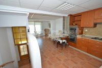 Large 4 bedroom townhouse with private solarium  (1)