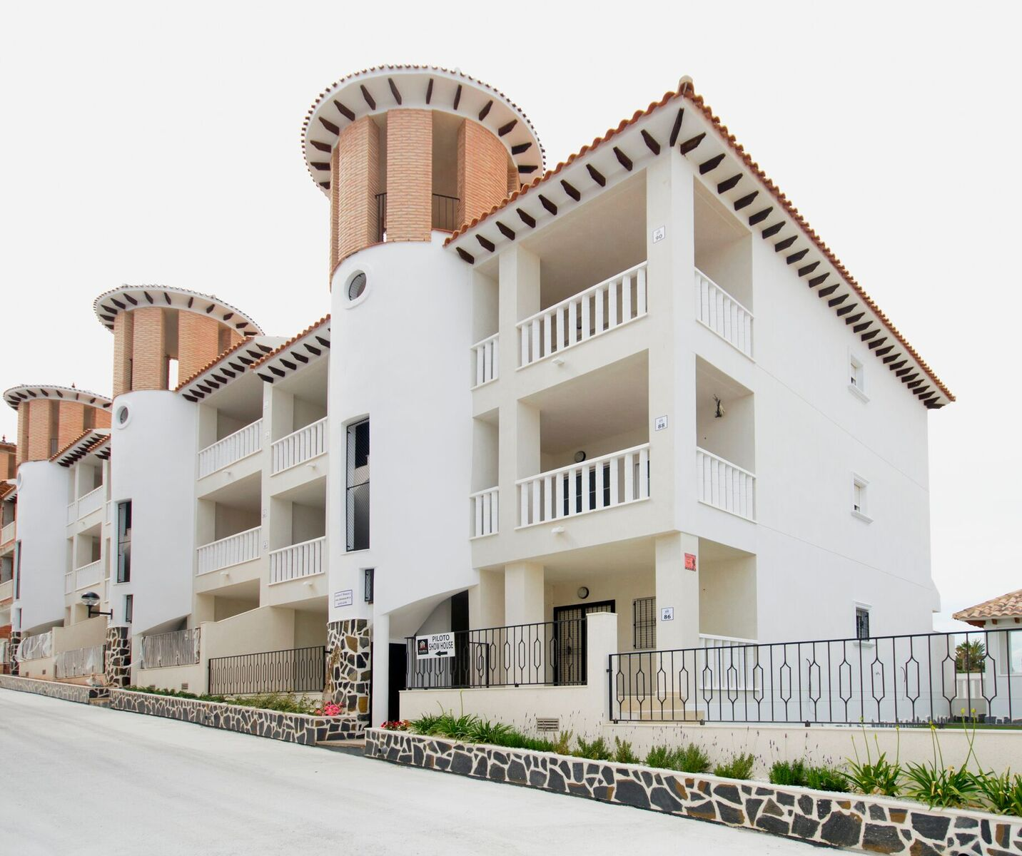 Apartments Listing: Pretty Apartments In El Pinet - La Marina