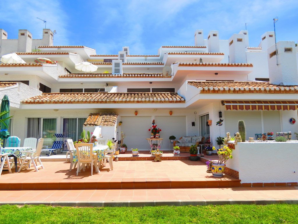 Wonderful Frontline Golf Apartment with Views