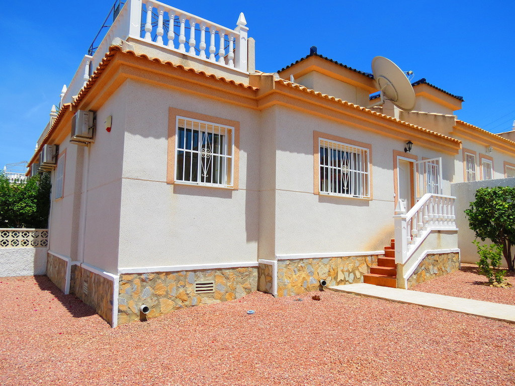 South-Facing Bungalow on a 183sqm Plot!