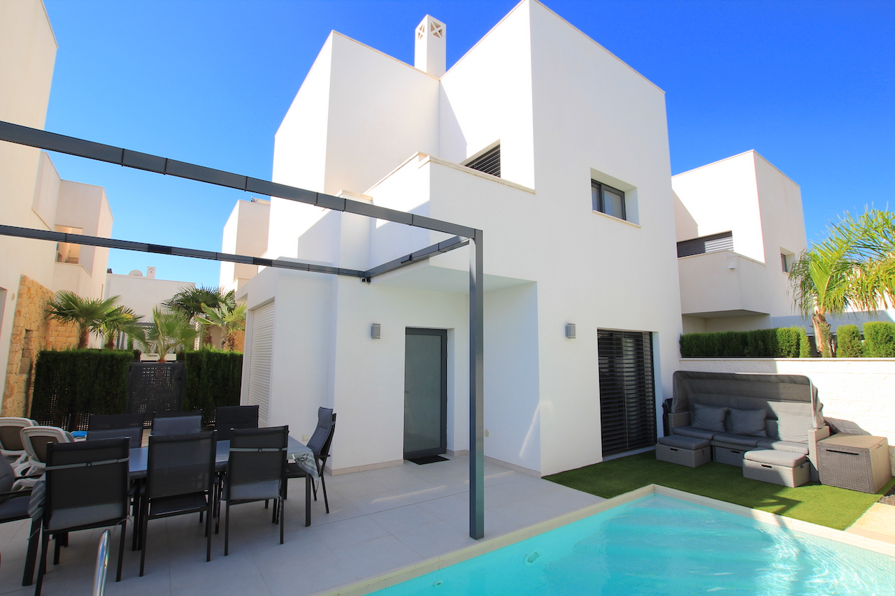 Exceptionally Stylish 2 Bed / 2 Bath Villa With Pool (Resale)