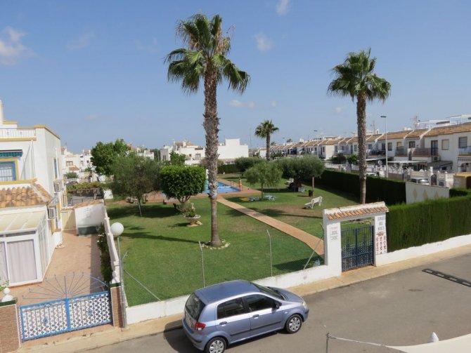 casas manuel bargain jardin del mar property
