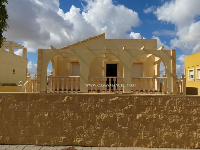 New Build Villas in Sierra Golf