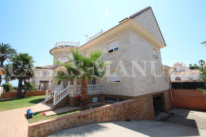 Luxury 7 Bed Villa with Sea Views