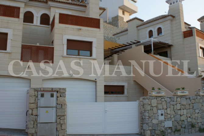 Semi Detached Villa in La Finca