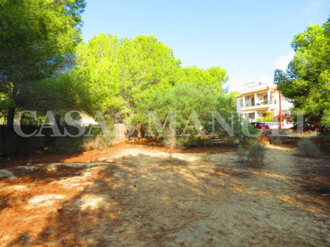 Plot for Sale in Res. Montemar (Urbano)