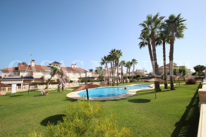 Top-Floor Apartment Zenia Mar I