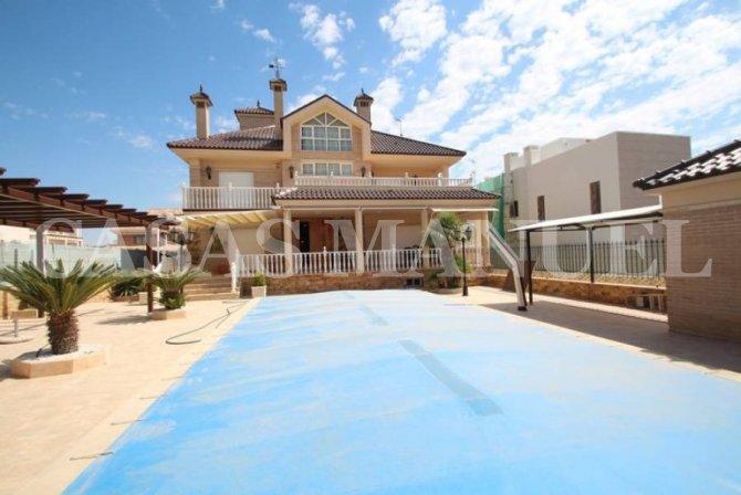 Stunning Luxury Villa in La Veleta