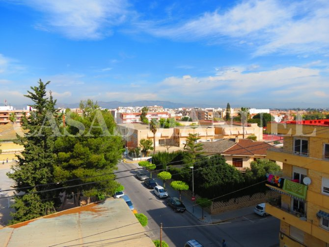 Spacious 3 Bed Top Floor Apartment