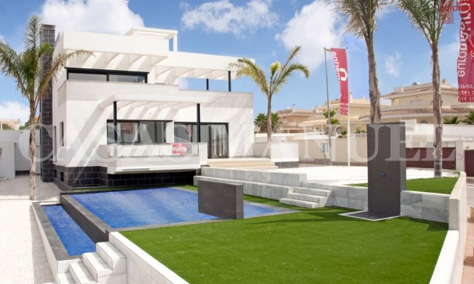 Wonderful Modern Villa in Doña pepa