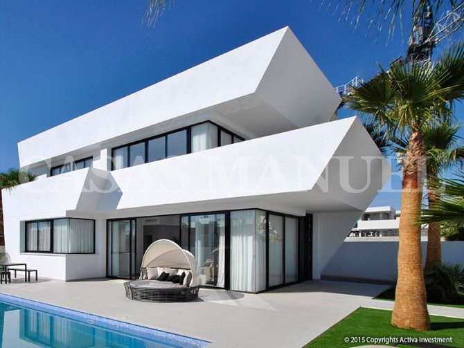 New Build Properties in La Marina