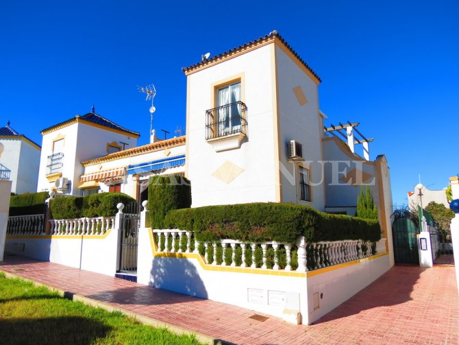 2/3 Bed South-Facing Townhouse - Sea Views