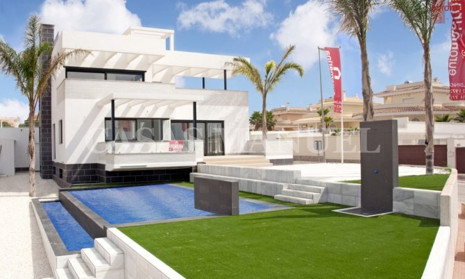 Stunning Villa with Views to the Salt Lakes!