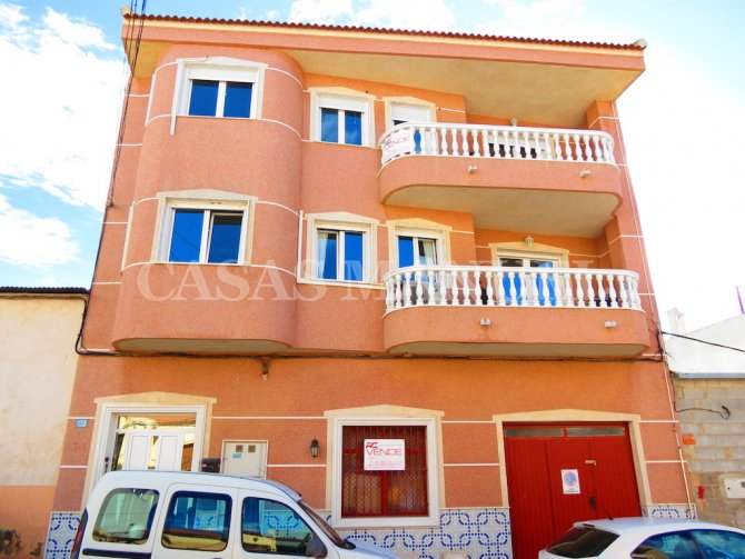 Spacious 4 Bed Village Apartment