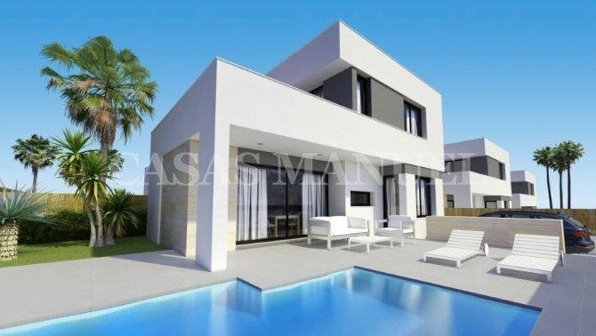 Stunning New Build Villas in Entre Golf