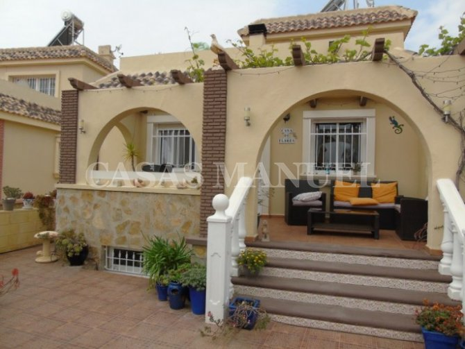 Fantastic Detached Villa with Private Pool in Sierra Golf