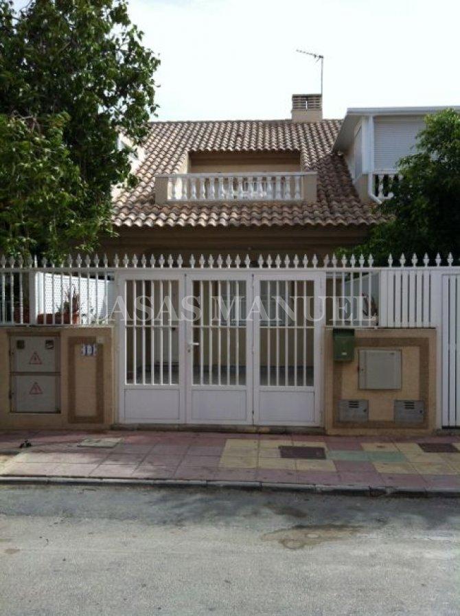 Townhouse with Solarium in Los Alcazares