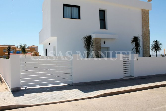 Attractive Villas in La Herrada
