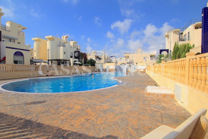 Wonderful Top Floor Apartment with Solarium - Sea Views
