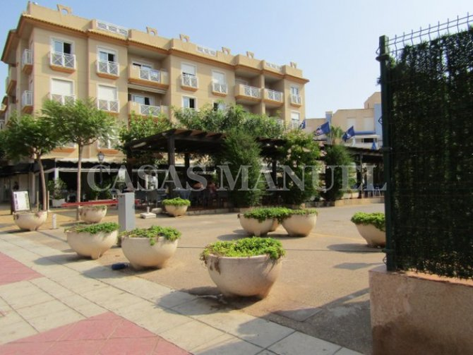 A lovely beachside apartment in Cabo Roig