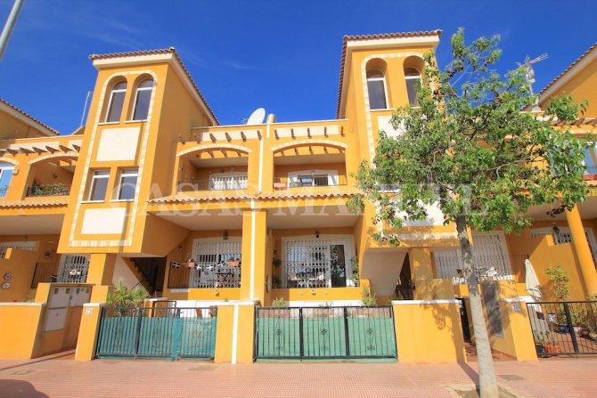 Stylish Apartment with Garden + Private Solarium