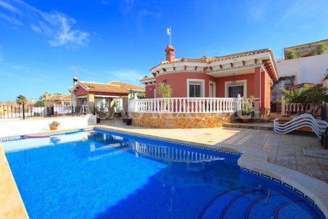 Stylish 3 Bed Villa with Private Pool - Villas Andrea