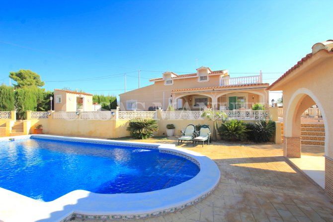 Luxury 5 Bed Finca-Style Property with Grounds