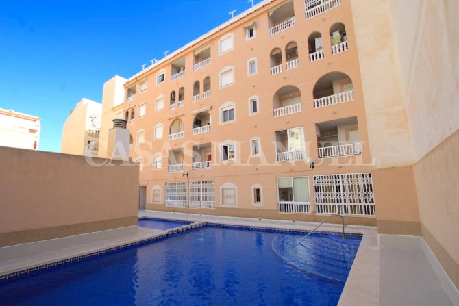 Spacious 1st Floor Apartment with Pool Views