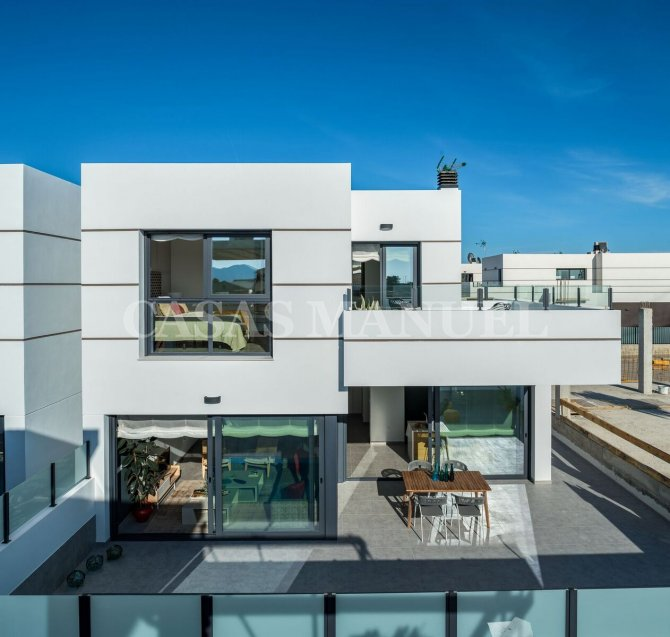 New Build Villas on the outskirts of Dolores Village