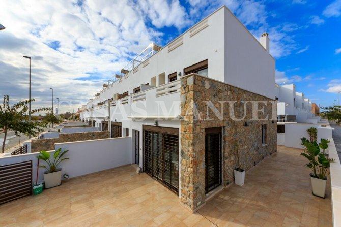 Wonderful Townhouses 500m from the Beach in Torre de la Horadada