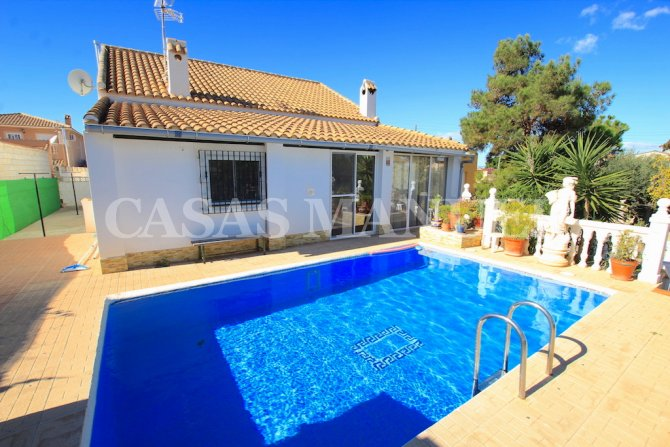 Charming Coastal Finca with Private Pool + Garage