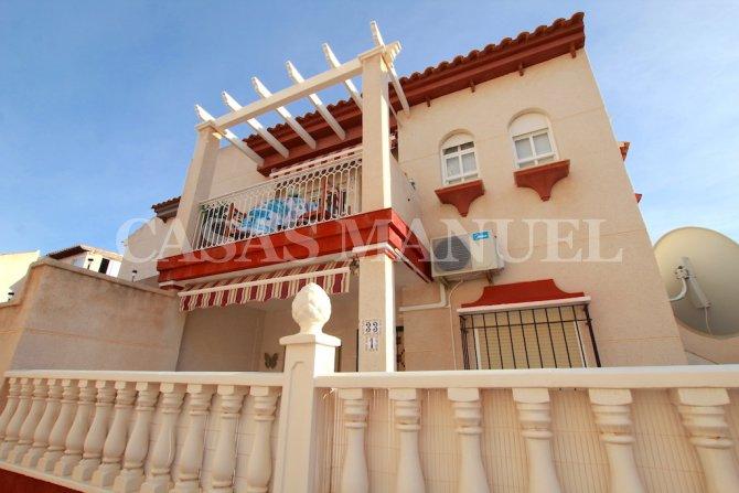 Stylish Top-Floor Apartment with Private Solarium