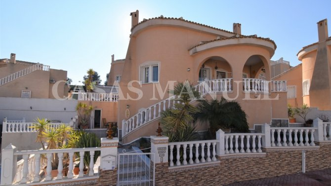 Spacious 3 Bed Conchita Style Property