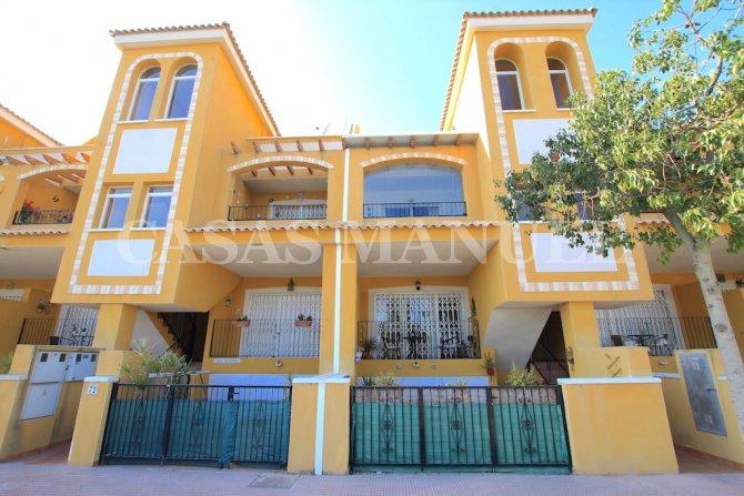 Attractive Top-Floor Apartment with Solarium