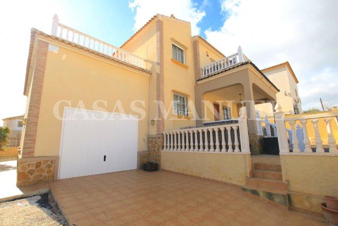 3 Bed / 2 Bath Villa With Pool + Garage