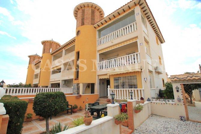 Attractive 1st Floor Apartment - Corner Aspect