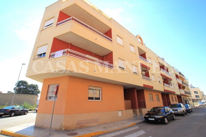 2 Bed Penthouse with 37sqm Terrace + 47sqm Solarium