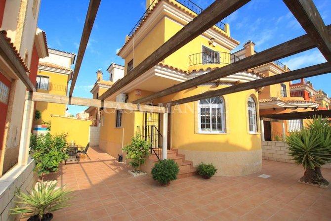 Stunning 3 Bed Villa With Designer Interior