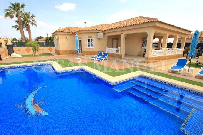 Sizeable 4 Bed / 2 Bath Villa - Res. Agua y Sol