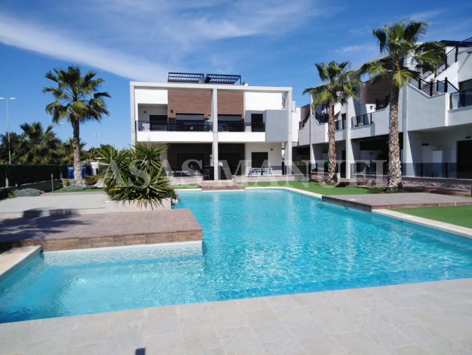 Top Floor Apartments in El Raso- Key Ready!