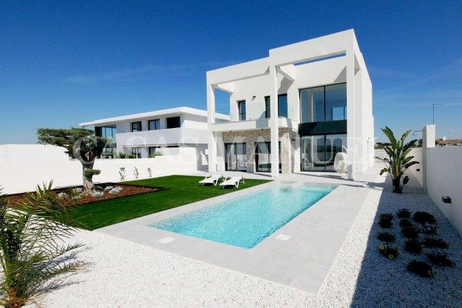 Modern Villa With Stylish Interior