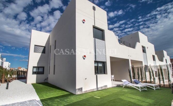La Finca Golf Apartments