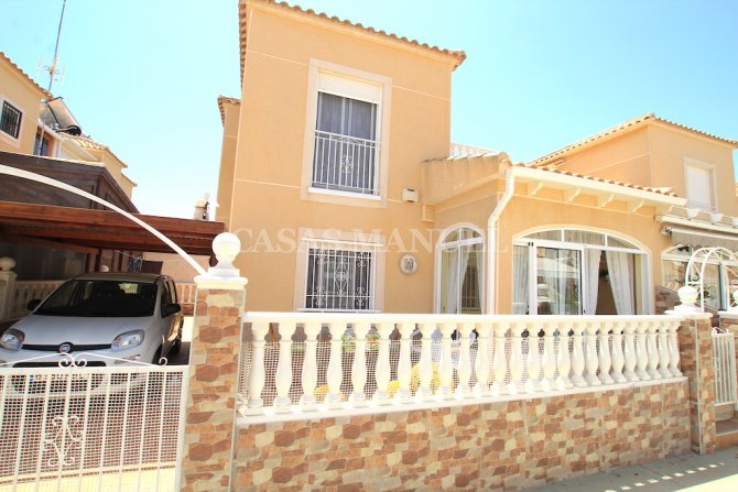 Charming 3 Bed / 2 Bath Property - Lago Jardin