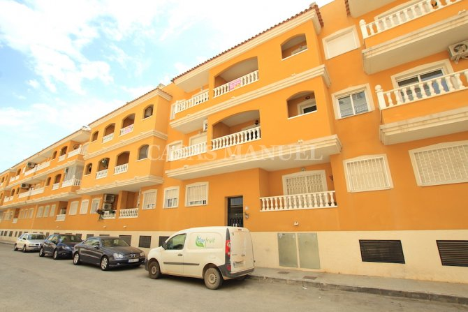 Magnificent 2 Bed / 2 Bath Apartment with Countryside Views