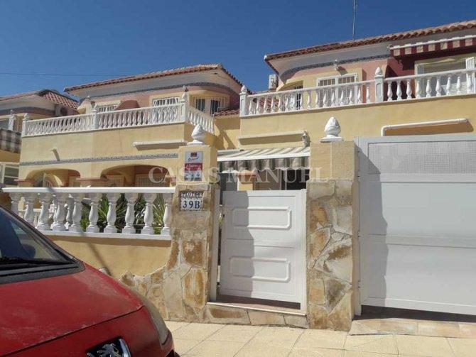 Townhouse in El Galan